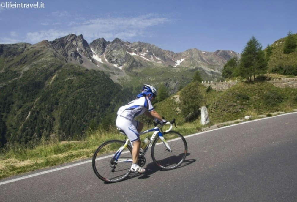 gavia e mortirolo in bici