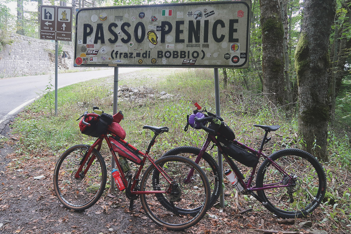 bikepacking frame bags oltrepo pavese in bici passo penice PASSO