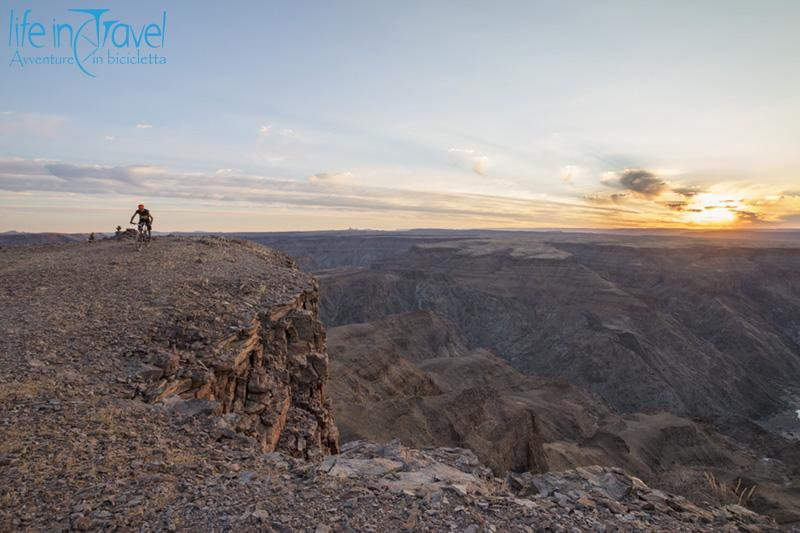 fish river canyon al tramonto