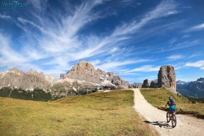Cycling Dolomites: Tofane and Cinque Torri loop