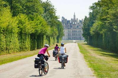 Loire à Vélo: cycling the river Loire bike path through France
