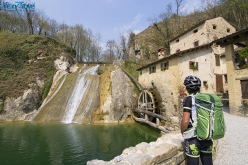 Prosecco bicycle tour: cycling in Valdobbiadene